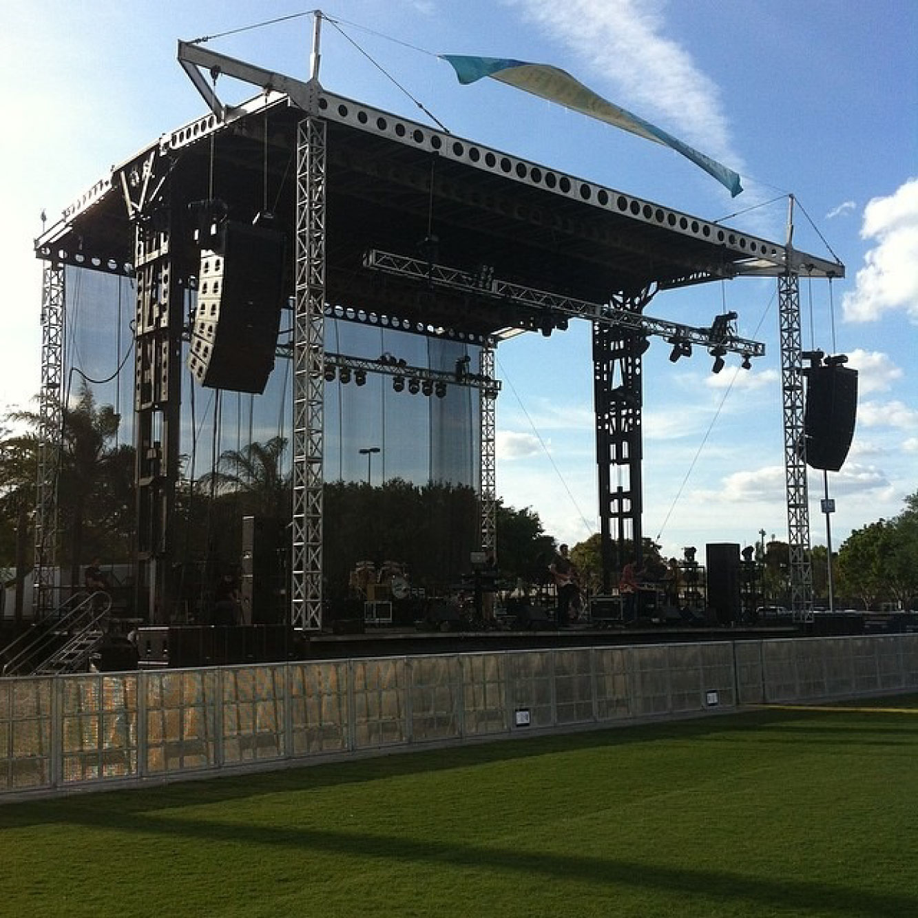 The festival embraces the hydraulic stage