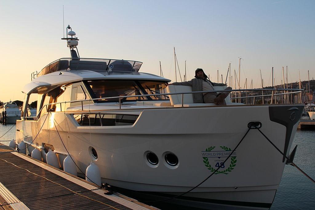 Hybrid Marine Power On Boats Sarum Hydraulics Blog