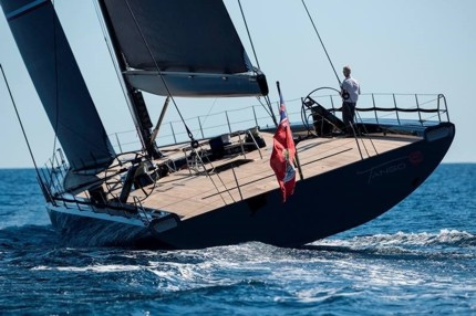 All hydraulic Wally yacht equipped with Cariboni.